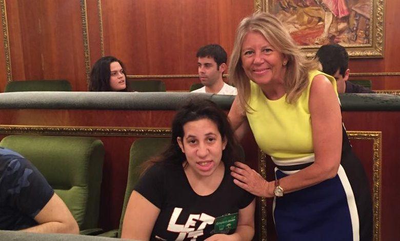 Firma de contrato Laura