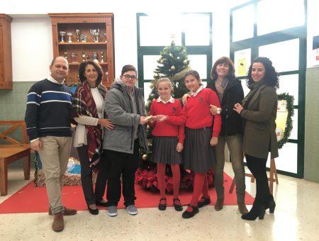 """Los alumnos del Colegio Alborán colaboran con Fundatul con el """"Día Sin Uniforme"""""""